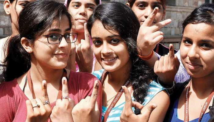 Lok Sabha Elections 2019: अगर आप वोटिंग के लिए निकले हैं, तो ये जानकारी जरूर चेक कर लें