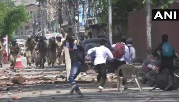 बांदीपोरा रेपकांड के विरोध में स्कूली छात्रों का प्रदर्शन, सुरक्षाबलों पर की पत्थरबाजी