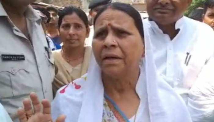 पटना: राबड़ी देवी कर रहीं बेटी मीसा भारती का जमकर प्रचार,गांव-गांव में मांग रहीं वोट