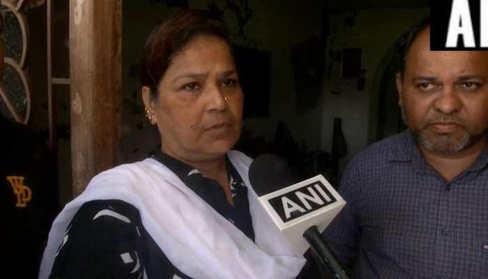 BJP नेता प्रियंका की मां दावा, SC के आदेश के बावजूद सुधार गृह में ही है उनकी बेटी