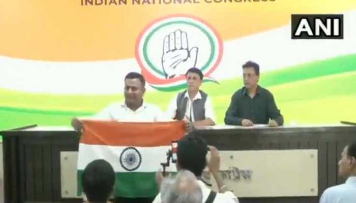 VIDEO: कांग्रेस की प्रेस कॉन्फ्रेंस में शख्स ने योगी को अजय सिंह बिष्ट कहने पर मचाया हंगामा