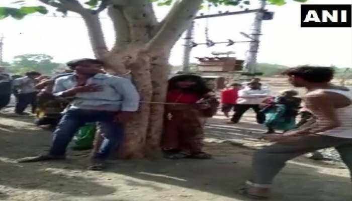 दूसरी शादी के लिए पति को छोड़ गई थी पत्नी... पहले पति ने बुलाया और पेड़ पर बांधकर की पिटाई