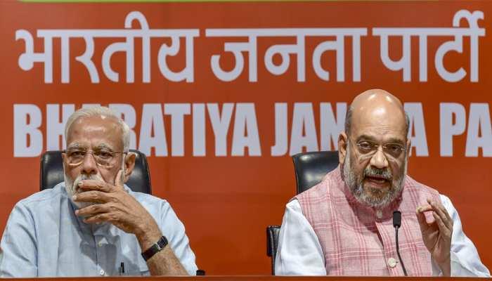 गोडसे संबंधी टिप्पणी के लिए BJP के तीन नेताओं को कारण बताओ नोटिस, उपयुक्त कार्रवाई होगी : शाह