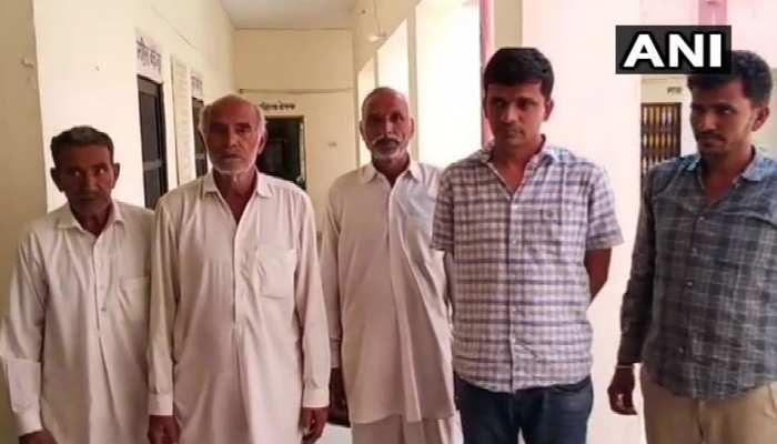 बीकानेर बार्डर के पास 5 संदिग्ध लोग हुए गिरफ्तार, 10 लाख कैश बरामद