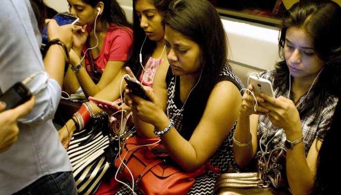 दिल्ली मेट्रो में गेम ऑफ थ्रोन्स देखने वाले यात्रियों को अब करना होगा ये काम...