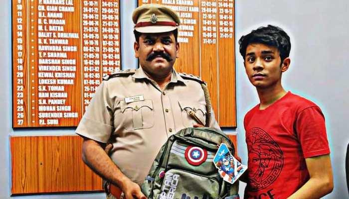 गरीब छात्र ने 10वीं में हासिल किए 70% अंक, दिल्ली पुलिस के SHO उठाएंगे पढ़ाई का खर्चा