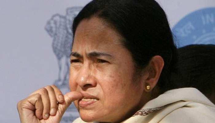 West bengal election results 2019 LIVE: हिलती दिख रही है ममता बनर्जी के किले की नींव, BJP की बढ़त- रुझान