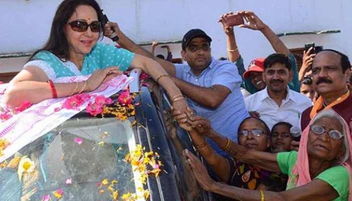 मथुरा में हेमा मालिनी, कुंवर नरेंद्र से पांच हजार मतों से आगे, BJP खेमे में खुशी