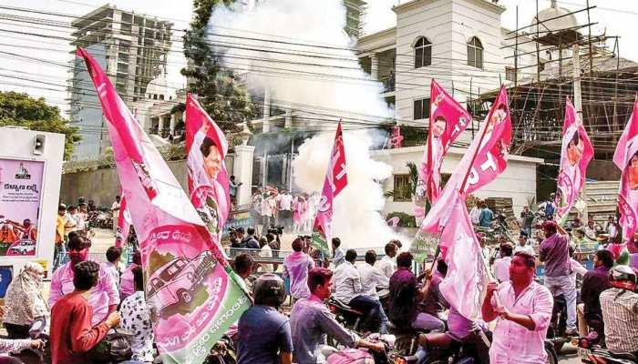 तेलंगाना में TRS ने 3 सीटों पर दर्ज की जीत, 6 अन्य पर बढ़त