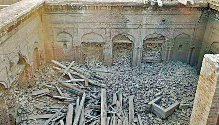 पाकिस्तान में ढहा दिया गया 'गुरु नानक महल', बेच दिए गए कीमती सामान