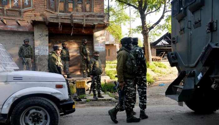 कुलगाम: पत्थरबाजी कर रहे लोगों की सुरक्षा बलों से झड़प में 50 से ज्यादा लोग घायल