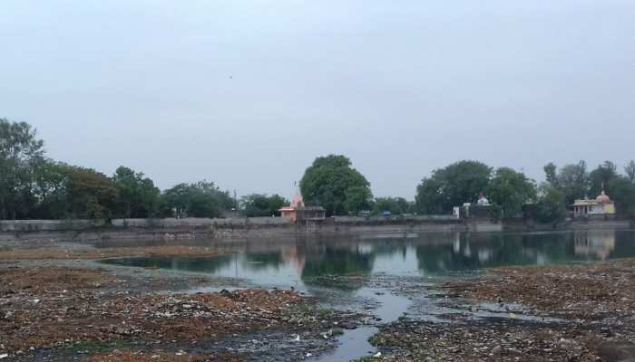 कोटा: किशोर सागर तालाब की हालत खस्ता, चारो तरफ फैली है बदबू