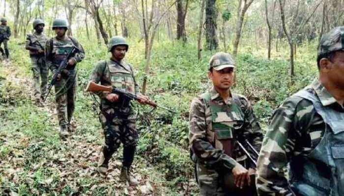 झारखंड में लैंडमाइन और हथियार बरामद, पुलिस-सीआरपीएफ ने चलाया संयुक्त अभियान