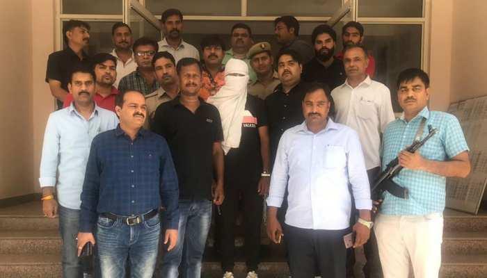 बुलंदशहर के 3 मासूमों का मुख्य हत्यारोपी दिल्ली से गिरफ्तार, पिस्टल भी बरामद