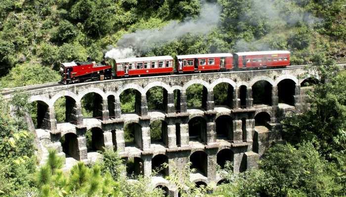 शिमला में मनाने जा रहे हैं समर वेकेशन, तो इस स्पेशल टॉय ट्रेन में करिए Enjoy
