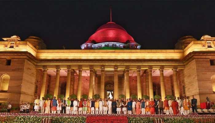 पीएम मोदी के मंत्रिमंडल में अमित शाह समेत 24 कैबिनेट मंत्री बने, जानें किसे किसे मिला मौका