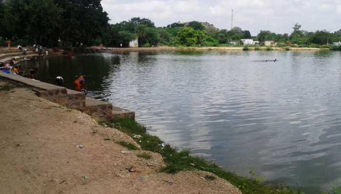 राजस्थान: तालाब में नहाते हुए एक ही परिवार के 4 बच्चों की मौत, शोक में डूबा गांव