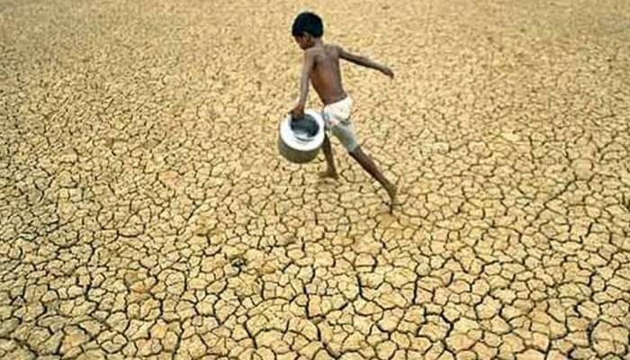 MP: मंदसौर में भयावह जल संकट के चलते खदानों का दूषित पानी पीने को मजबूर हुए लोग