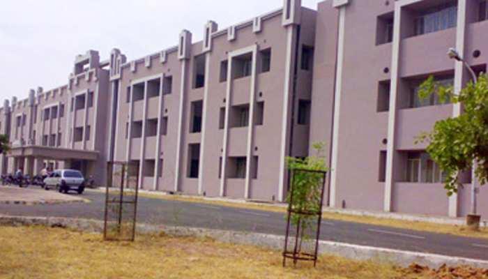 कोटा मेडिकल कॉलेज में बढ़ी एमबीबीएस की सीटें, छात्रों में जश्न का माहौल