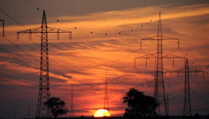 अघोषित बिजली कटौती से परेशान हुए धमतरी के लोग, हर 1-2 घंटे में गुल हो जाती है लाइट