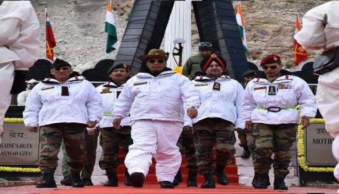 Defence Minister Rajnath Singh tributes martyred soldiers the Siachen Glacier