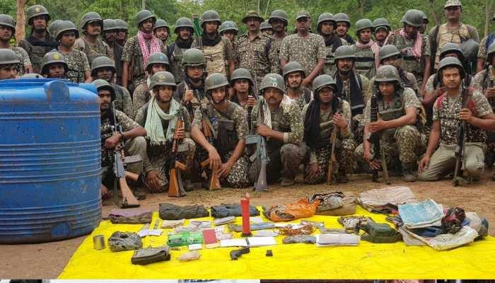 छत्तीसगढ़: गर्दापाल के जंगलों से मिला हथियारों का जखीरा, बड़ी वारदात की फिरांक में थे नक्सली