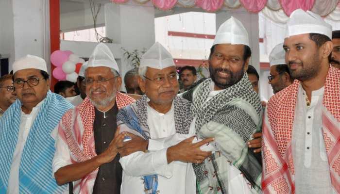 गिरिराज सिंह के ट्वीट पर बिहार में सियासत तेज, JDU ने दिखाया आईना