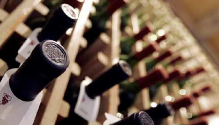 बिहार : दरभंगा में 50 लाख की शराब जब्त, 821 कार्टन बरामद, ड्राइवर-तस्कर फरार