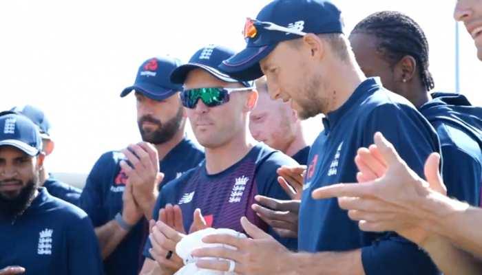 VIDEO: मैच देखने पहुंचा क्रिकेट का सबसे बड़ा फैन, इंग्लैंड के प्लेयर्स ने इसे बनाया भावुक पल