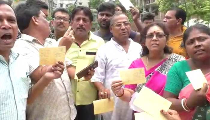 TMC SUPPORTERS SEND 10000 JAI HIND, JAY BANGLA POST CARD TO PM MODI
