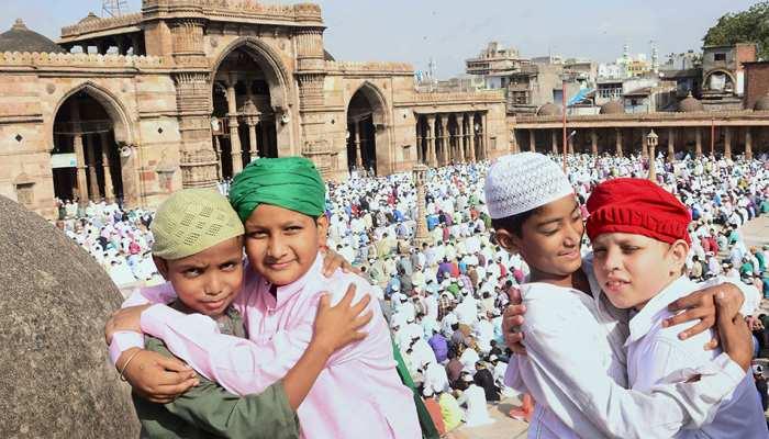 दारुल उलूम ने जारी किया फतवा, कहा- 'ईद में गले मिलना इस्लाम का नियम नहीं'