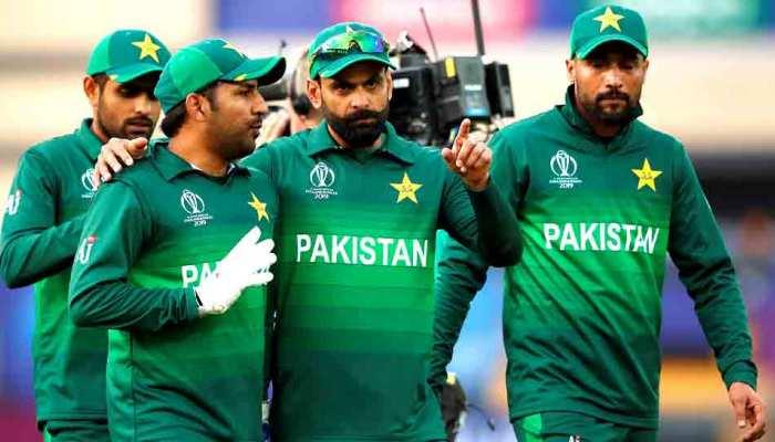 पाकिस्तानी क्रिकेटरों की पोल खुली, खराब रूम-मेट, लेटलतीफ, खराब डांसर सबका पता चला