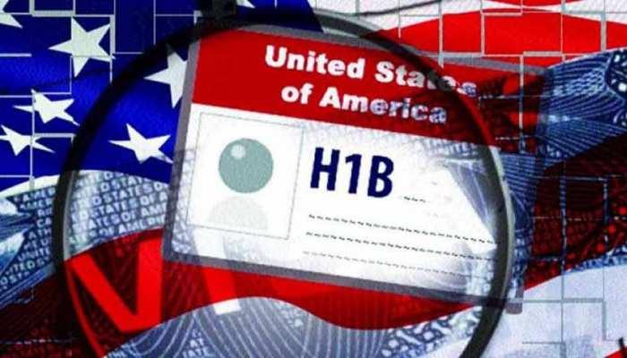 अमेरिकी वीजा के लिए देनी होगी सोशल मीडिया की जानकारी, H1B वीजा मंजूरी में गिरावट