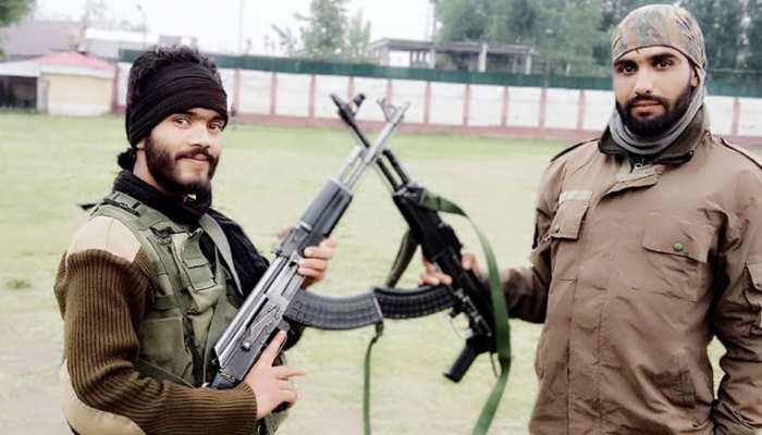 पुलवामा पुलिस लाइंस से हथियार के साथ संदिग्ध हालात में लापता हुए जम्मू-कश्मीर पुलिस के दो 'एसपीओ'