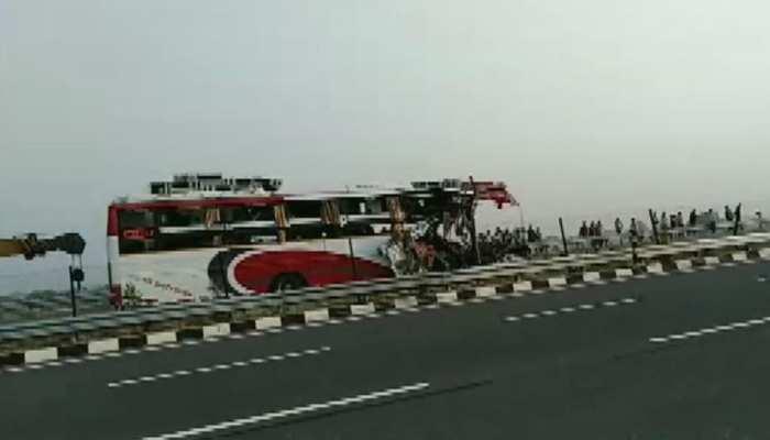 दुबई बस हादसे में मृत 11 भारतीयों के शव भारत भेजे गए, 1 का UAE में किया गया अंतिम संस्कार