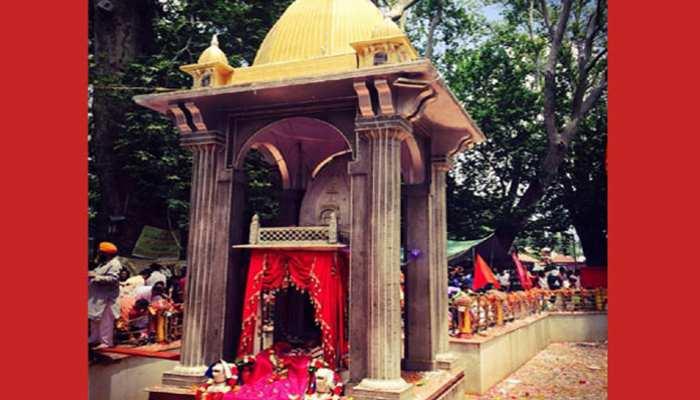 जम्मू से सैकड़ों कश्मीरी पंडित पहुंचे कश्मीर, खीर भवानी मेले में लेंगे हिस्सा