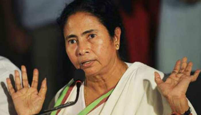प.बंगाल में हिंसा पर केंद्र ने जारी की एडवाइजरी, ममता सरकार बोली, 'स्थिति नियंत्रण में है'