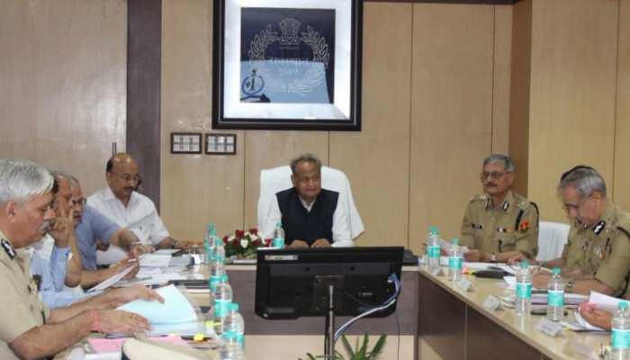 राजस्थान: कानून व्यवस्था को लेकर CM अशोक गहलोत ने की समीक्षा बैठक, दिए निर्देश