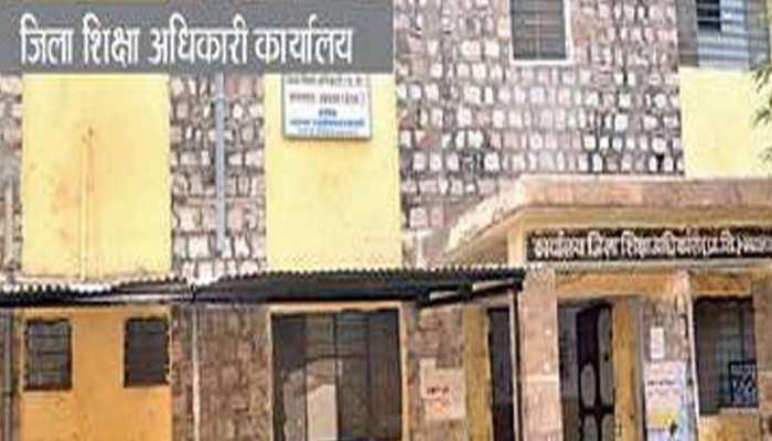 झालावाड़: जिला अधिकारी ने रात्रि चौपाल का आयोजन कर जनता की समस्याओं का किया समाधान