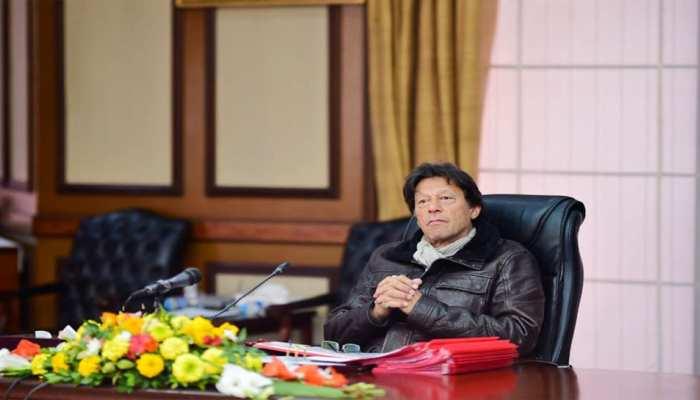 इमरान खान ने आधी रात में किया ऐलान, चोरों और भ्रष्टाचारियों को नहीं बख्शेंगे