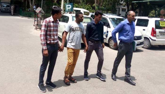नाइजीरियाई युवक ने भारत में हर्बल ऑयल बेचने के नाम पर की ठगी, पुलिस ने किया गिरफ्तार
