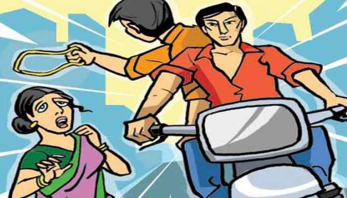 पहले गर्लफ्रेंड के साथ छीनी चेन, फिर लूटी बाइक, पुलिस ने एनकाउंटर के बाद दोनों को किया गिरफ्तार