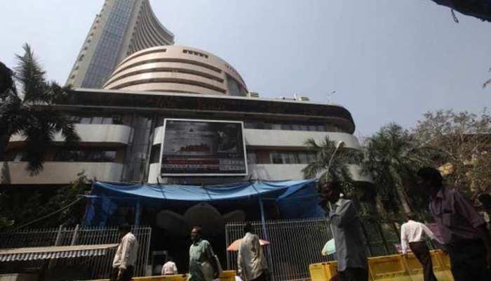 LIVE : मिले-जुले रुख के साथ खुला शेयर बाजार, गिरावट जारी