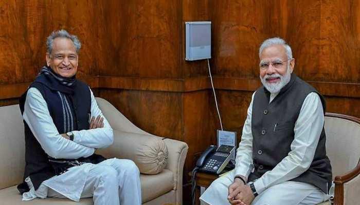 अशोक गहलोत पहुंचे दिल्ली, नीति आयोग की बैठक में रखेंगे राजस्थान का पक्ष