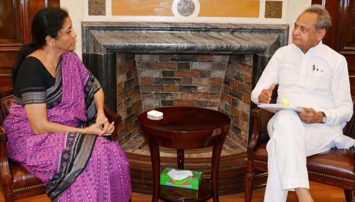 राजस्थान: अशोक गहलोत ने केंद्रीय योजनाओं की राशि को लेकर वित्त मंत्री से की मुलाकात