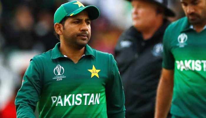 कप्तान सरफराज ने नहीं मानी PM इमरान खान की बात, पूरे मैच में चलाई अपनी-अपनी