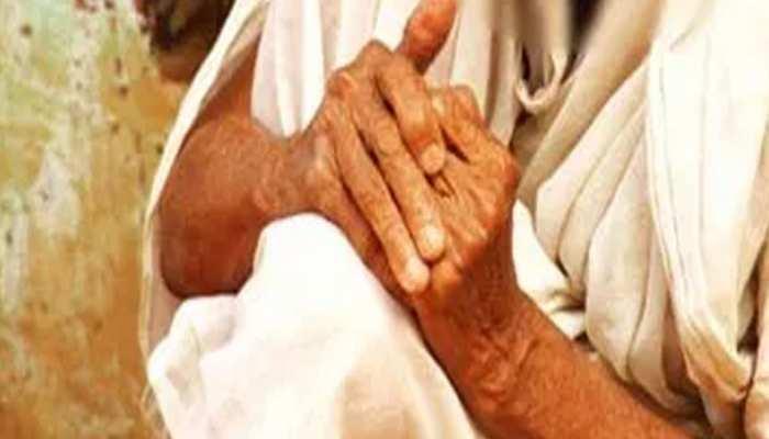 झुंझुनूं: पुत्र निकला कुपुत्र, 85 साल की मां को कर दिया घर से बेघर