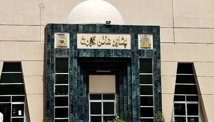 पाक सरकार के विवादास्पद चांद कैलेंडर को पेशावर उच्च न्यायालय में दी गई चुनौती