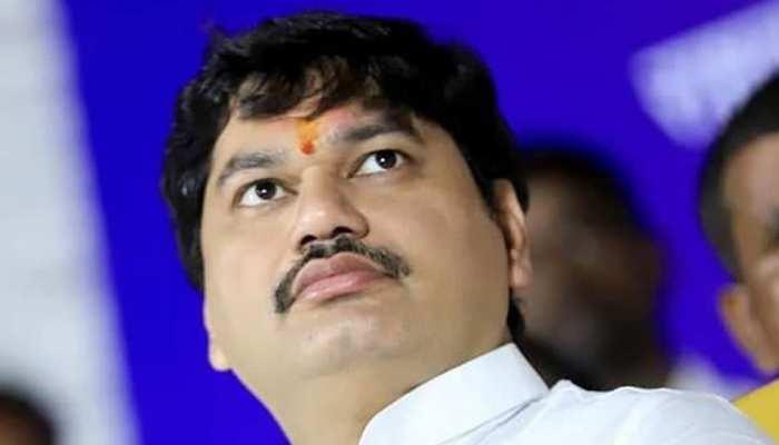 महाराष्ट्र: धनंजय मुंडे का दावा- सदन में पेश किए जाने से पहले वित्त मंत्री के ट्विटर हैंडल पर लीक हुआ बजट