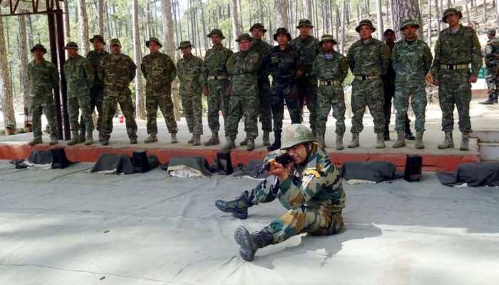 J&K में चौतरफा हमले की तैयारी में हैं आतंकी, पाकिस्तानी 'BAT दस्ता' देगा बैकअप: सूत्र
